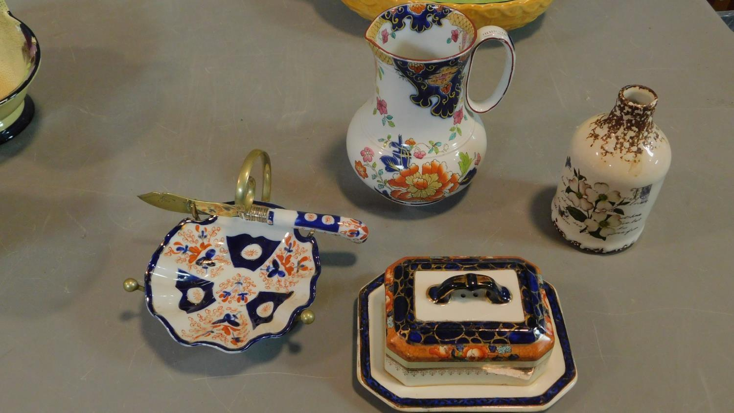 A collection of Art Deco Tuscan Decoro pottery baskets and other ceramic items. - Image 4 of 8