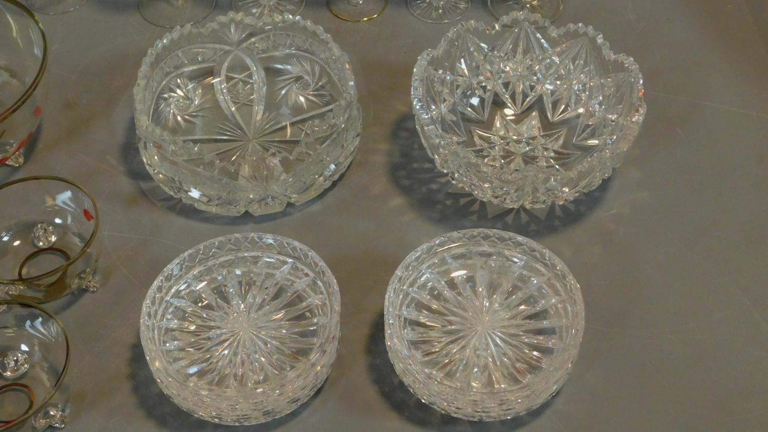 A vintage painted decorated dessert set and a collection of miscellaneous glass items. - Image 4 of 7