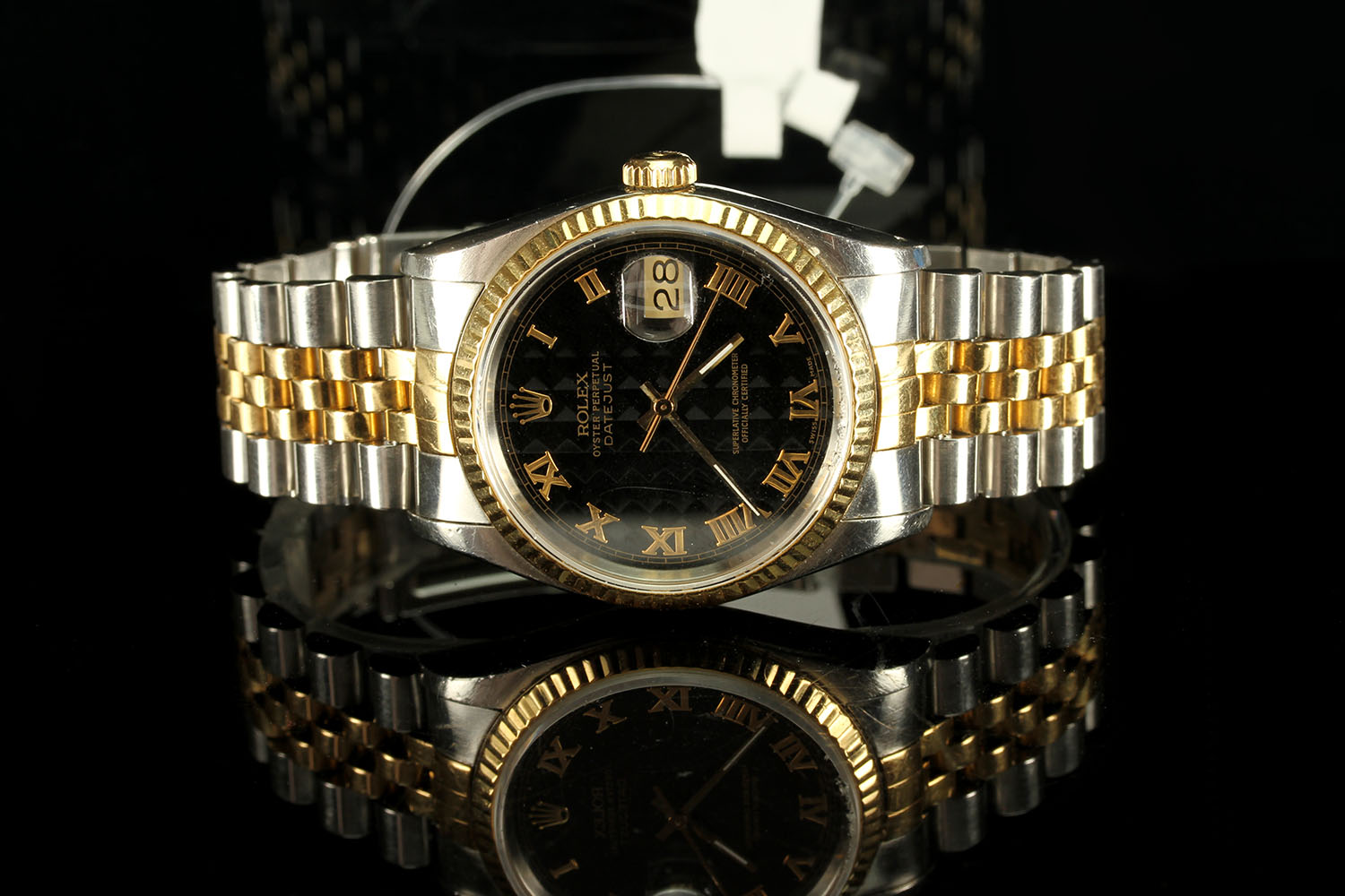 GENTLEMANS ROLEX DATEJUST MODEL 16233, SN X15.... , CIRCA 1991, round, black pyramid dial with