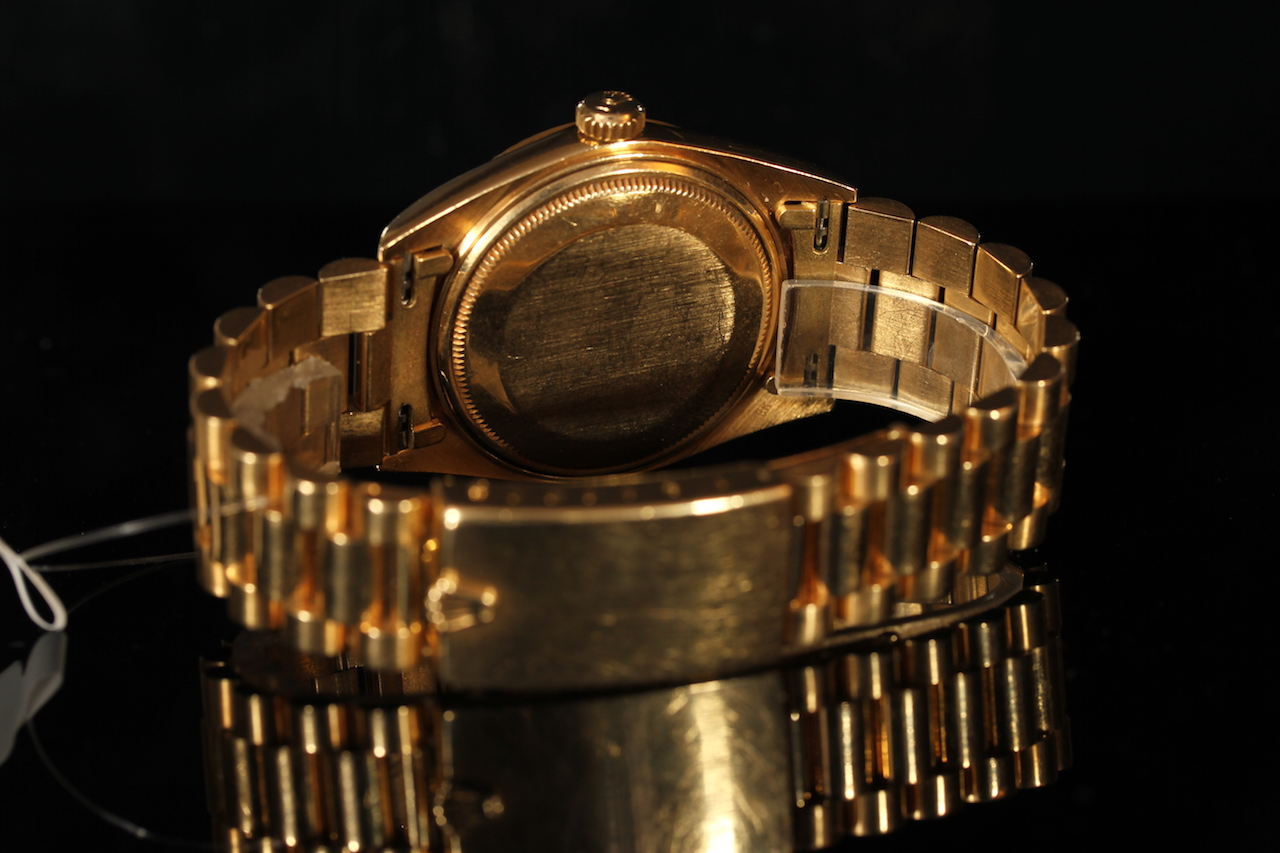 GENTLEMEN'S 18CT ROLEX OYSTER PERPETUAL DAY-DATE REF 1803 CIRCA 1973, gold dial with baton hour - Image 2 of 2