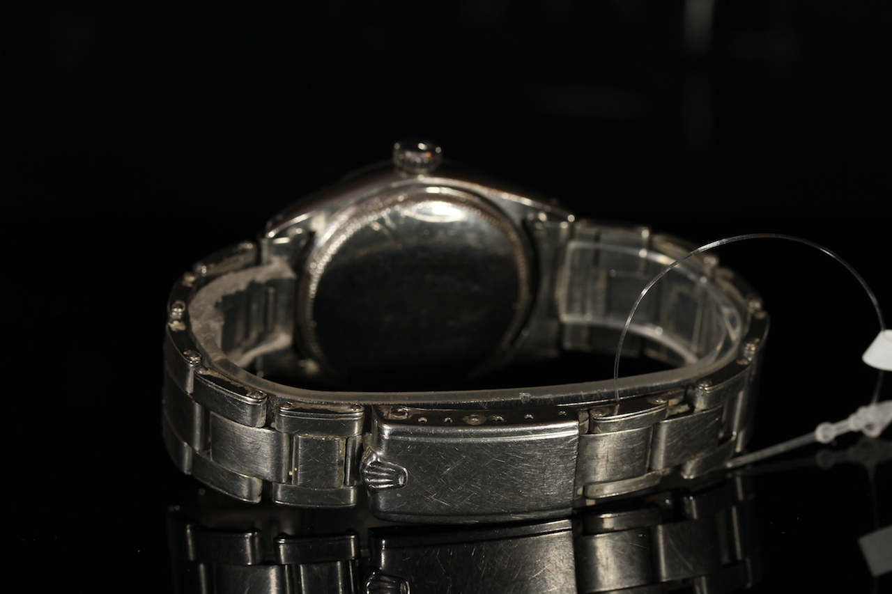 GENTLEMENS ROLEX SEMI BUBBLE BACK WRISTWATCH, circular honeycomb dial with arrow hour markers, - Image 2 of 2
