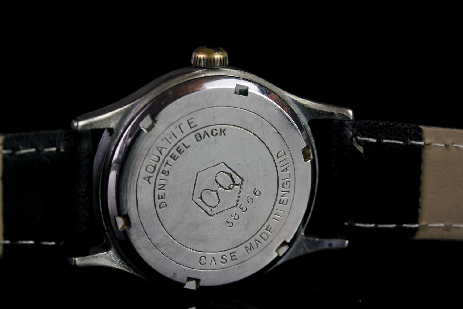 MID SIZE CYMA SHOCK RESISTING VINTAGE WRISTWATCH, circular brushed silver dial with black arabic - Image 3 of 3