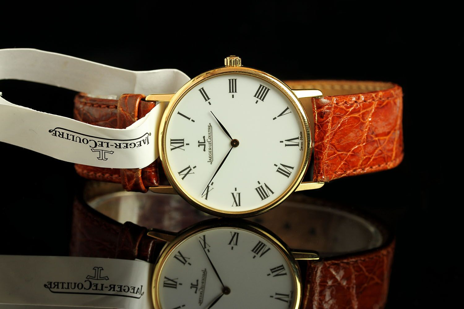 GENTLEMANS 18K JAEGER-LE COULTRE 111.1.09 / 1946287,round, off white dial with black hands, black