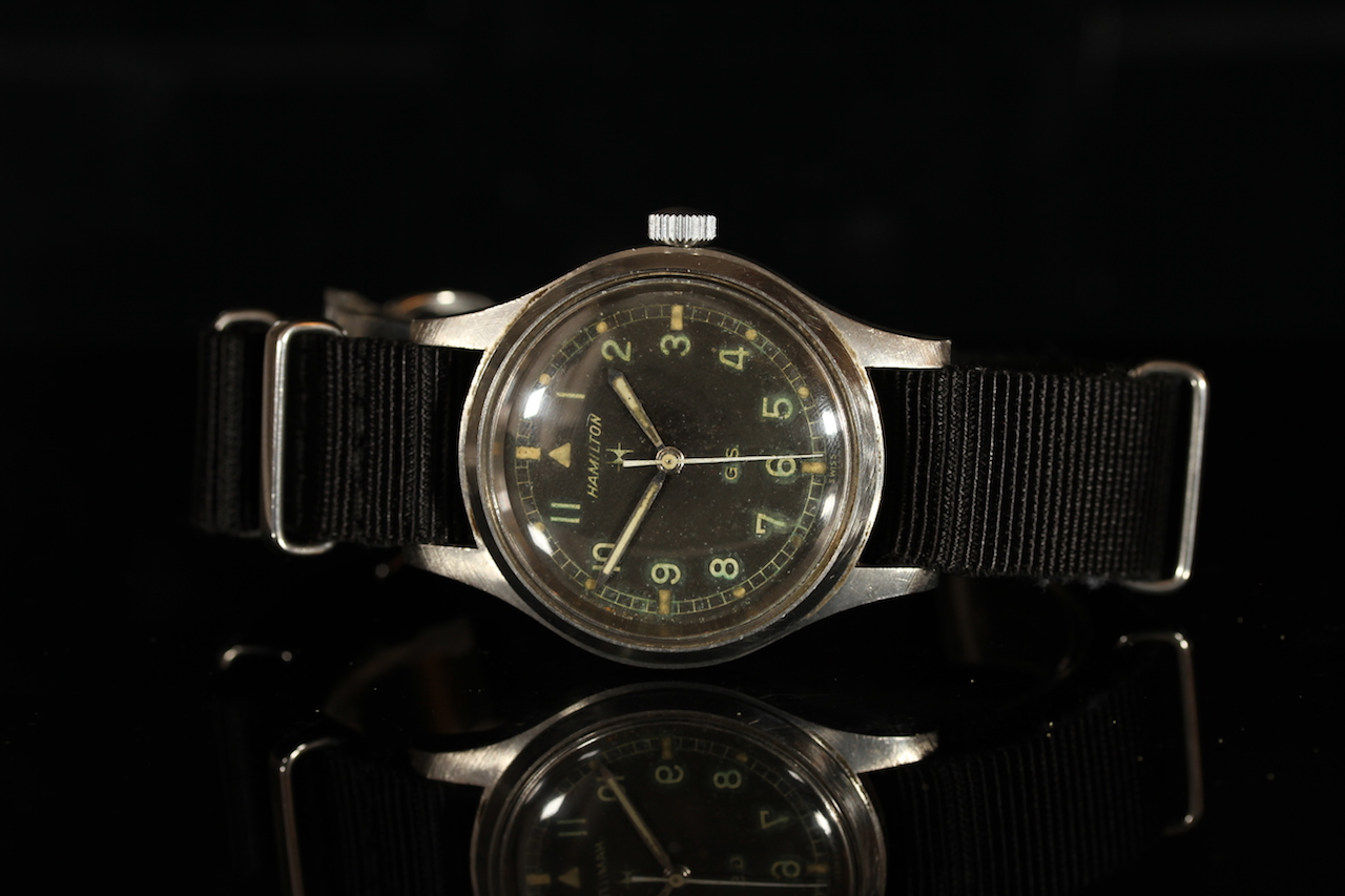 GENTLEMENS HAMILTON G.S. TROPICALIZED WRISTWATCH REF. 1 680 984, circular patina black dial with