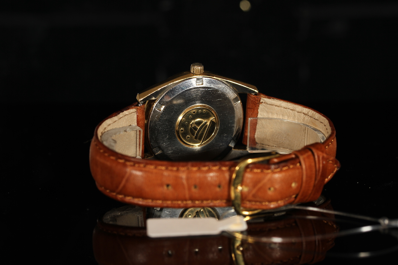 GENTLEMENS OMEGA CONSTELLATION AUTOMATIC WRISTWATCH REF. 167.021, circular gold brushed dial with - Image 2 of 2