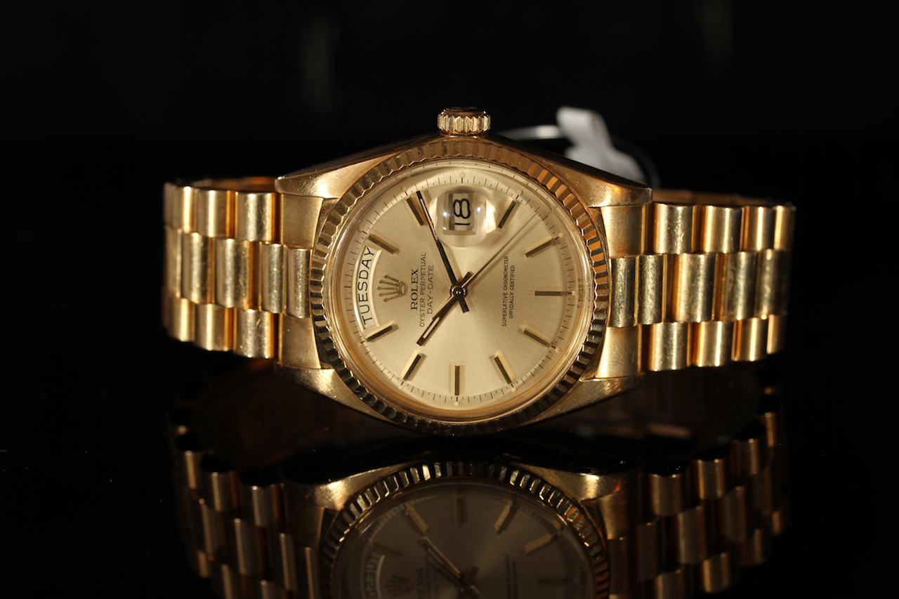 GENTLEMEN'S 18CT ROLEX OYSTER PERPETUAL DAY-DATE REF 1803 CIRCA 1973, gold dial with baton hour