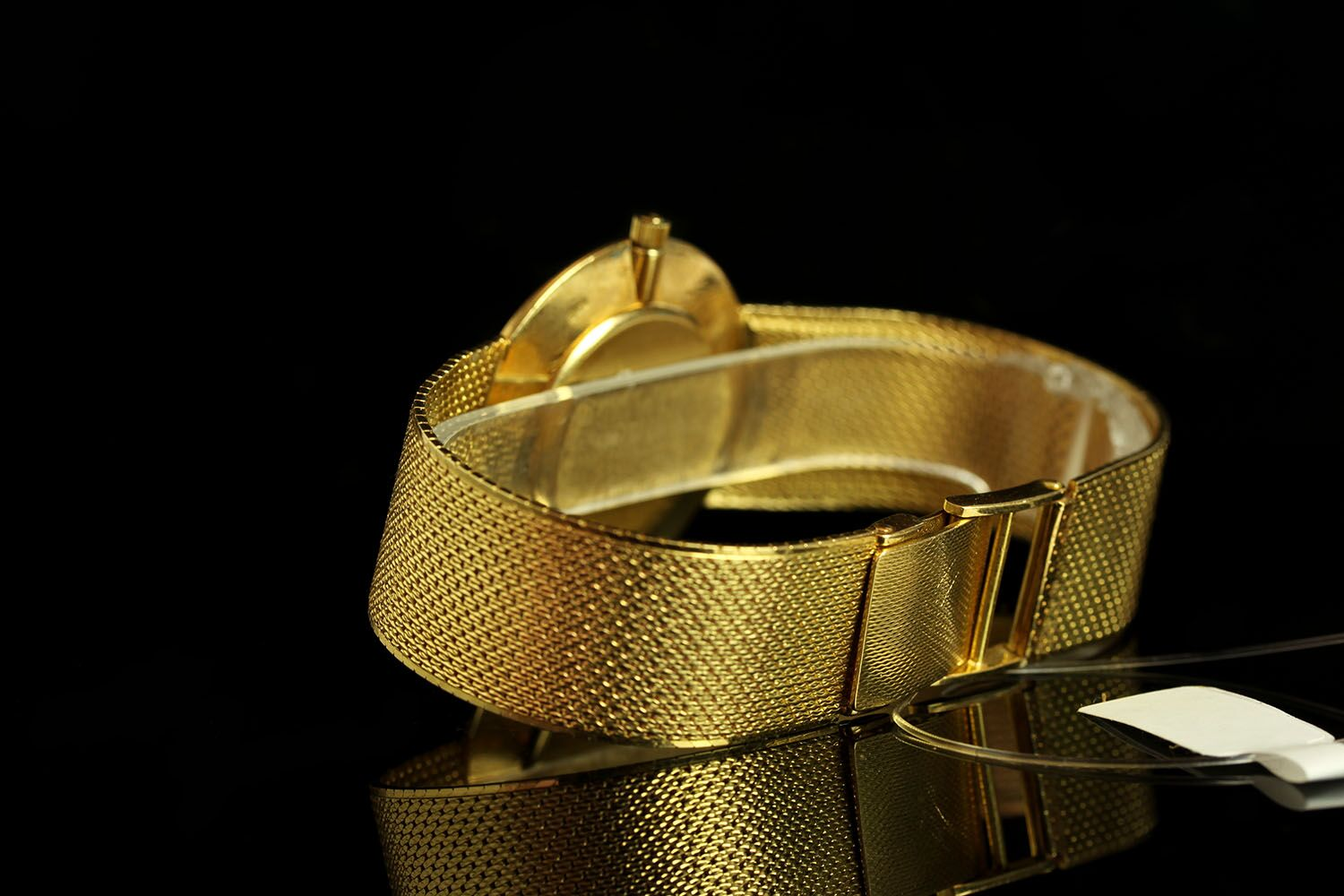 GENTLEMANS VINTAGE UNIVERSAL , round, gold dial and gold hands, gold baton markers,non date, 30mm - Image 2 of 2