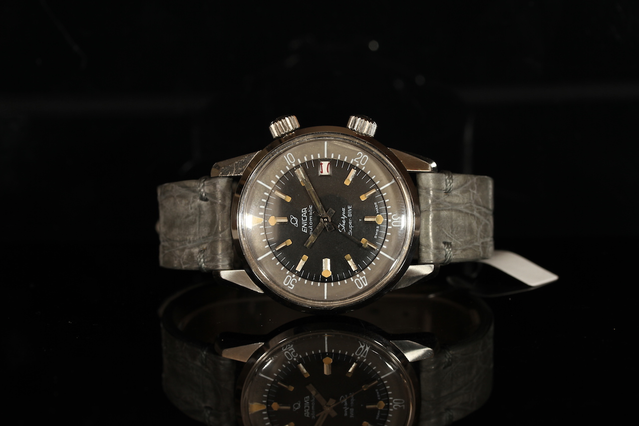 GENTLEMENS ENICAR AUTOMATIC SHERPA SUPER DIVE WRISTWATCH, circular black dial with patina and