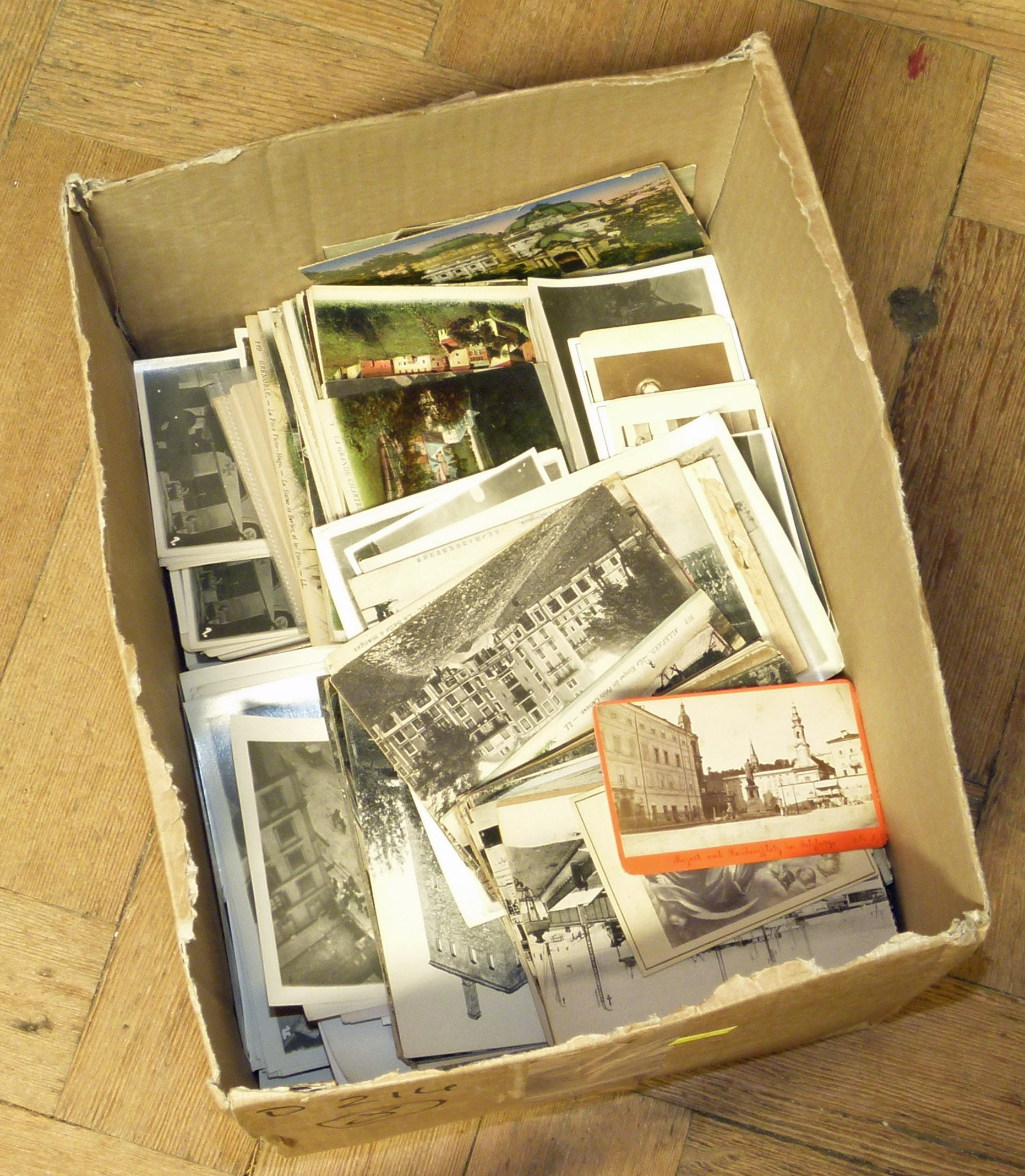 Box of mixed Postcards and vintage photographs We are unable to do condition reports on our