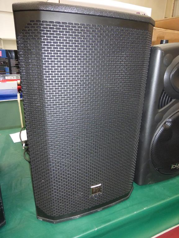 Lot 4 - * Electro-Voice EKX-12P-EU Single 12'' two-way powered Loud Speaker 90° x 60° coverage pattern, s/