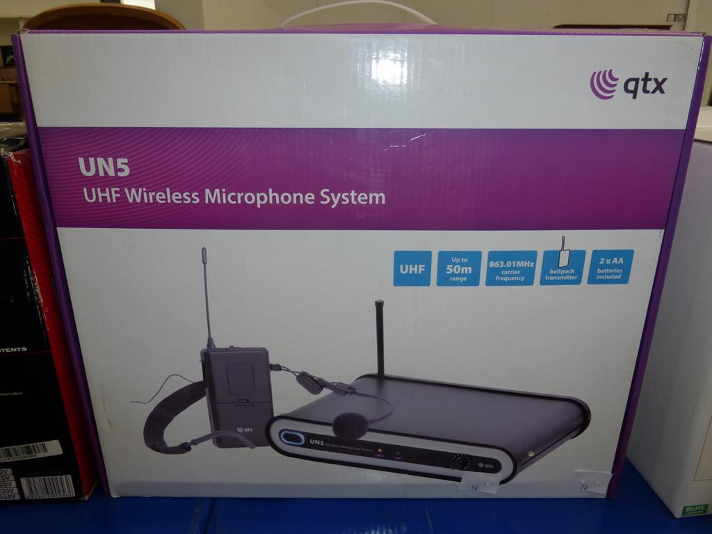 Lot 50 - * A qty UN5 UHF Wireless Microphone System (RRP £55)