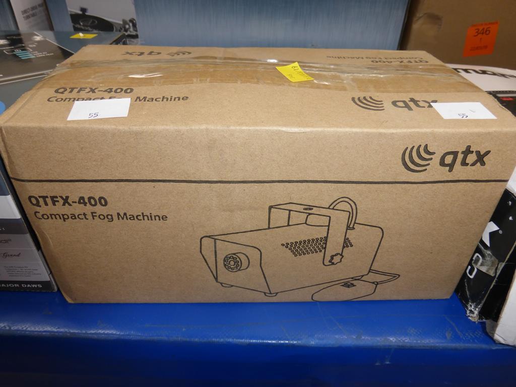 Lot 55 - * A QTFX 400 Compact Fog Machine (RRP £33)