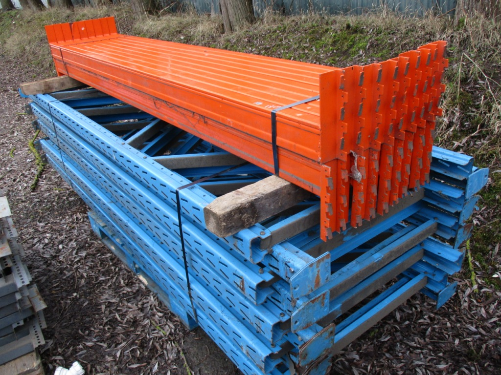 Lot 106 - QTY OF PALLET RACKING..