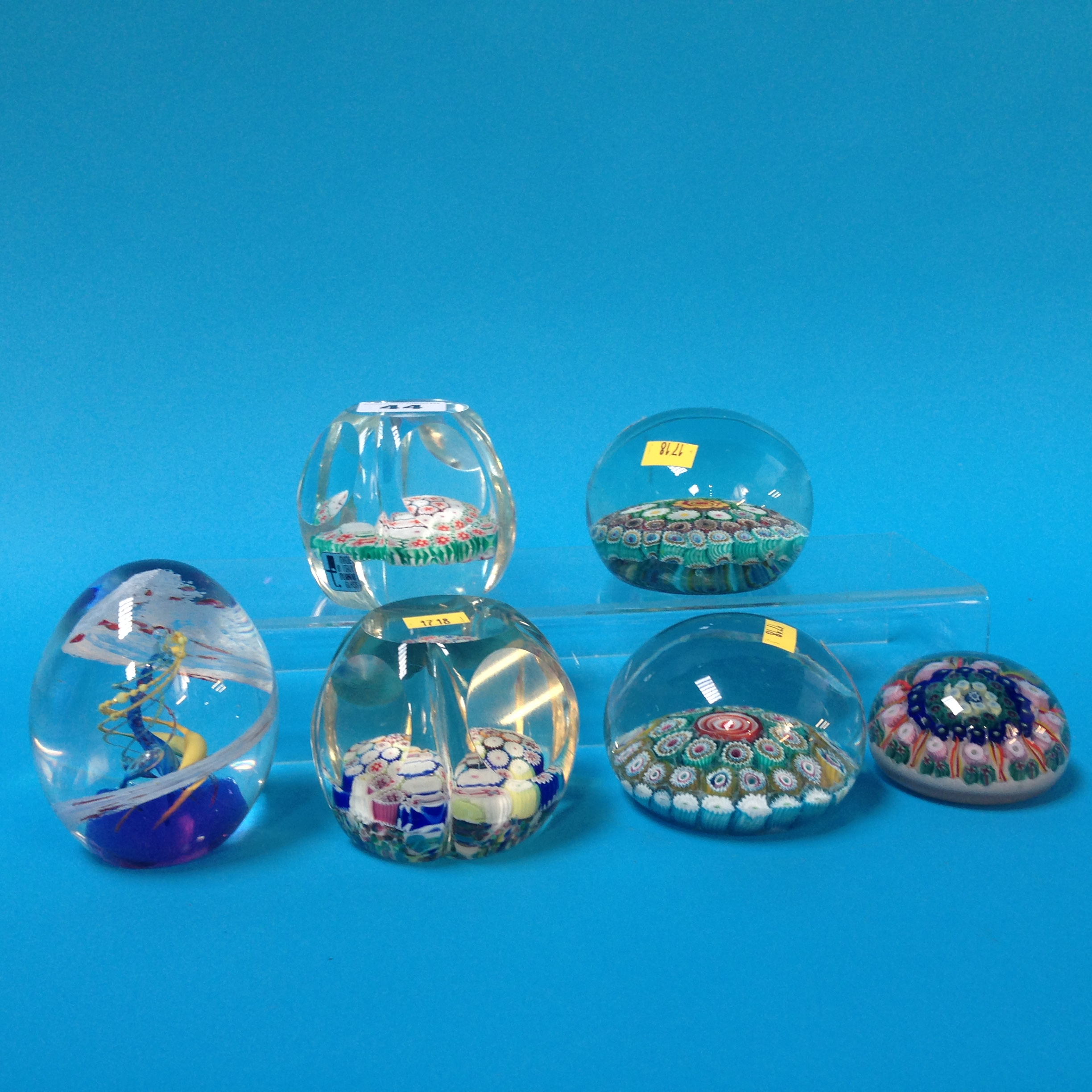 Lot 44 - Four Murano paperweights and two others (6)