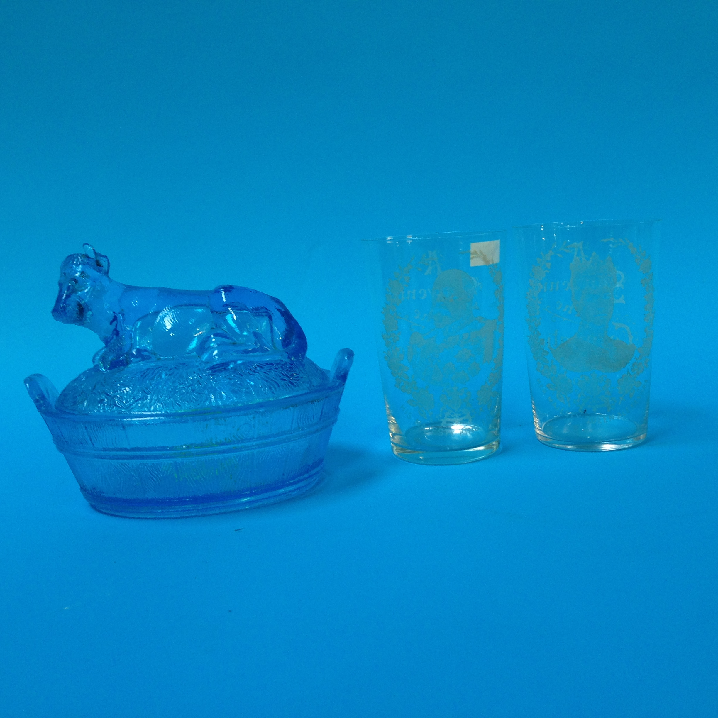 Lot 47 - A pair of etched glass Souvenir glasses from the C