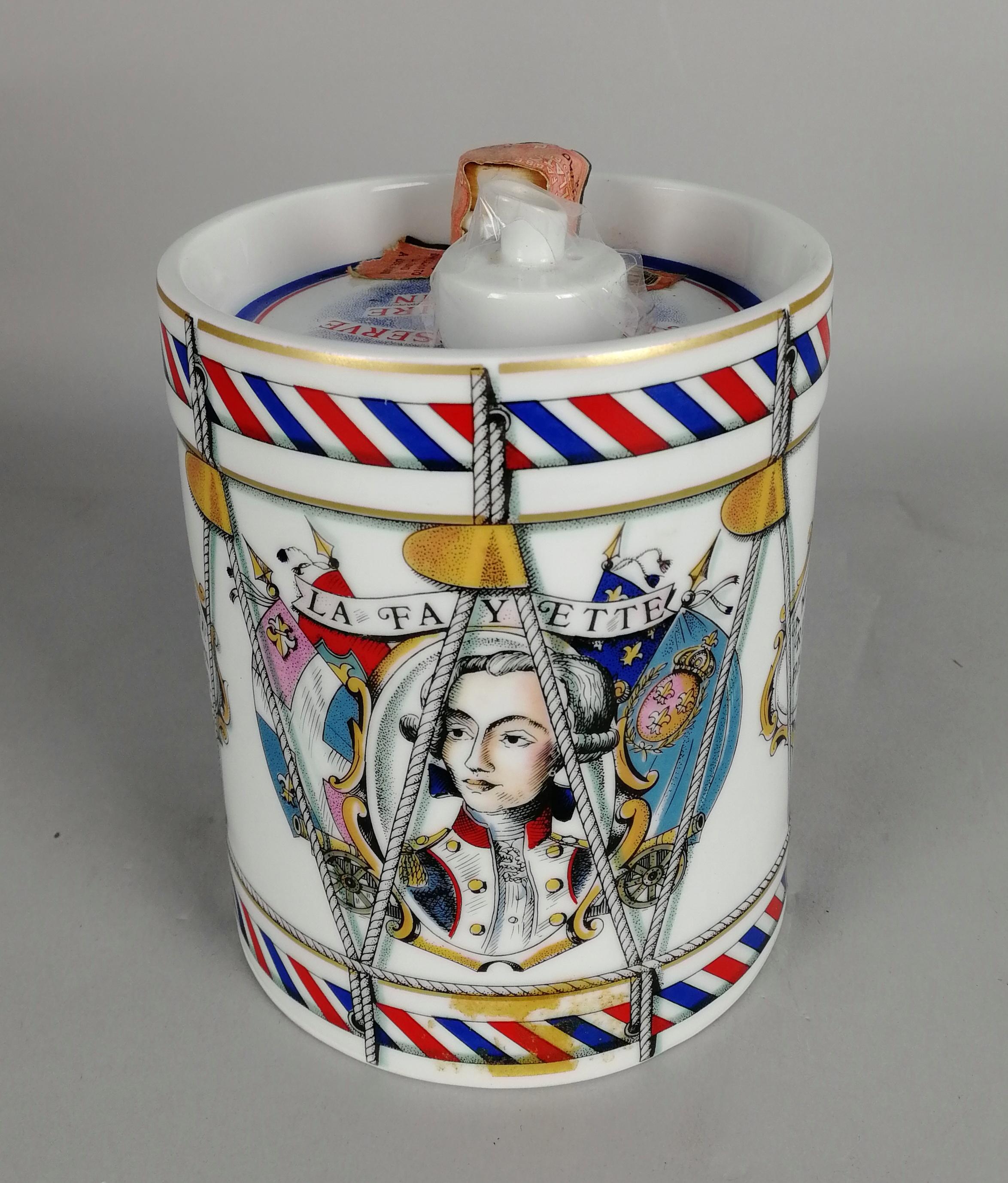 Lot 55 - Cognac CAMUS Vielle Reserve du Bicentenaire Americain 1776-1976. Decanter in porcellana Haviland