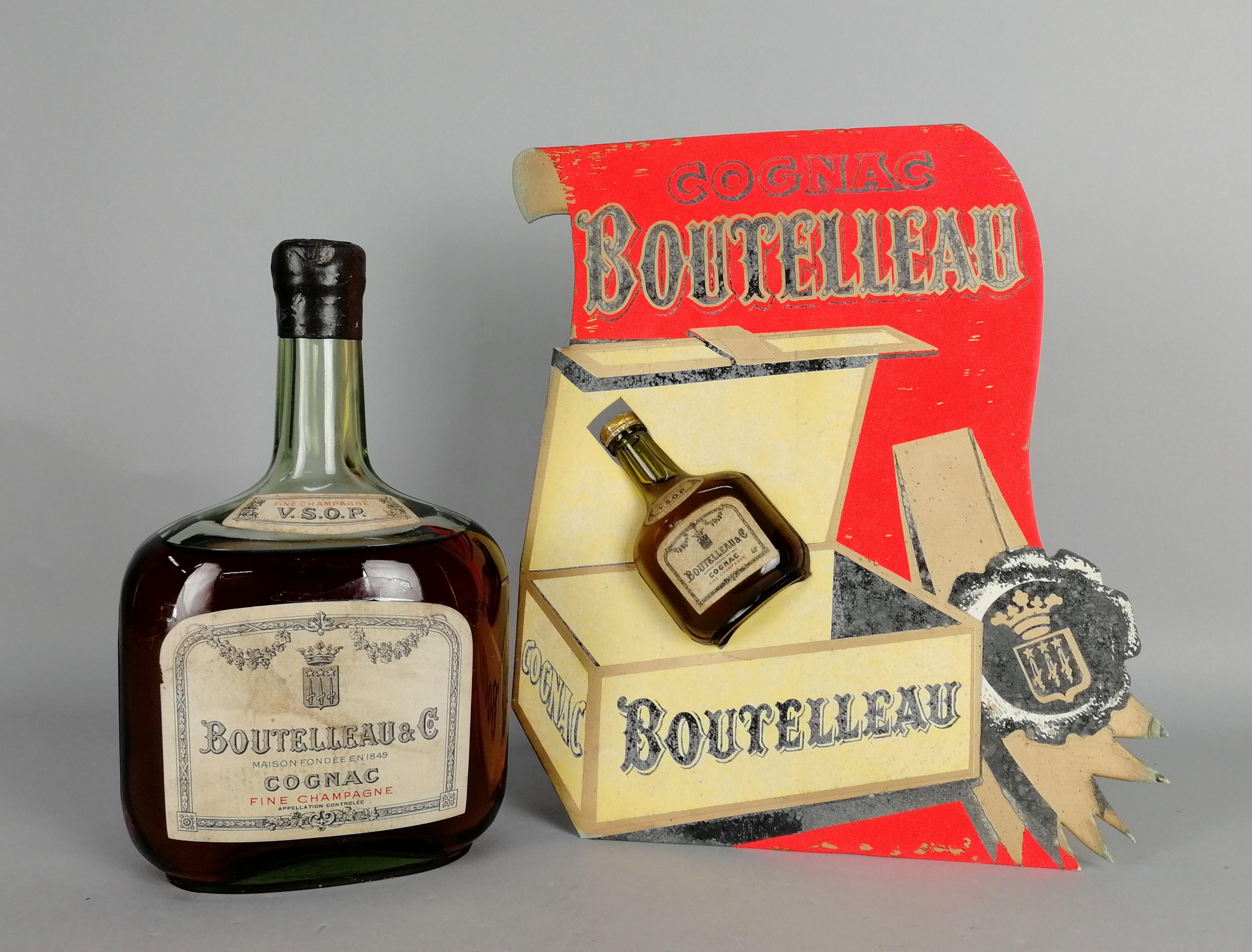 Lot 53 - Due Cognac BOUTELLEAU&C.: - V.S.O.P. Fine Champagne. Tredici anni di invecchiamento. Tappo sigillato
