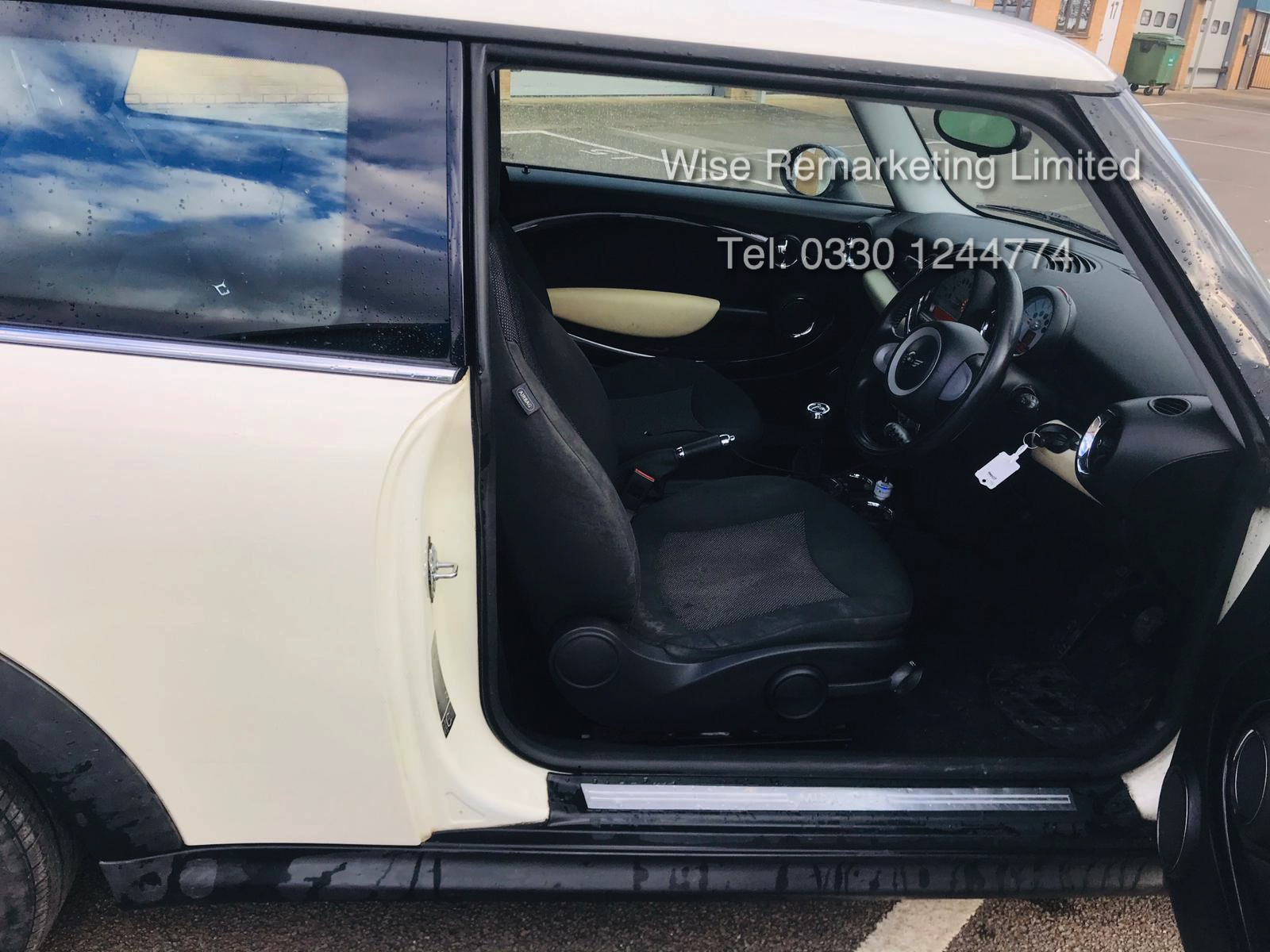 (RESERVE MET) Mini Cooper 1.4l One - 2008 Model - Service History - Air Con - White - Image 21 of 23
