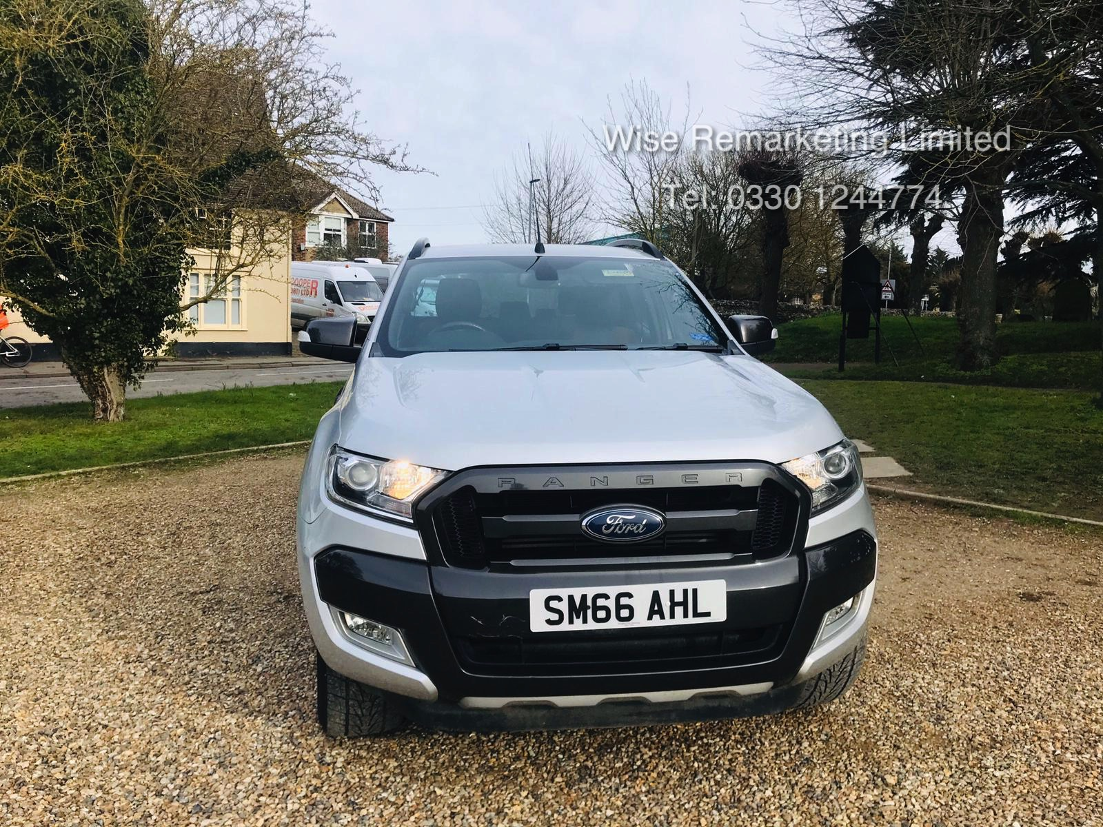 Ford Ranger 3.2 TDCI WILDTRAK - Auto - 2017 Model - 1 Former Keeper - 4x4 - TOP OF THE RANGE - Image 4 of 16