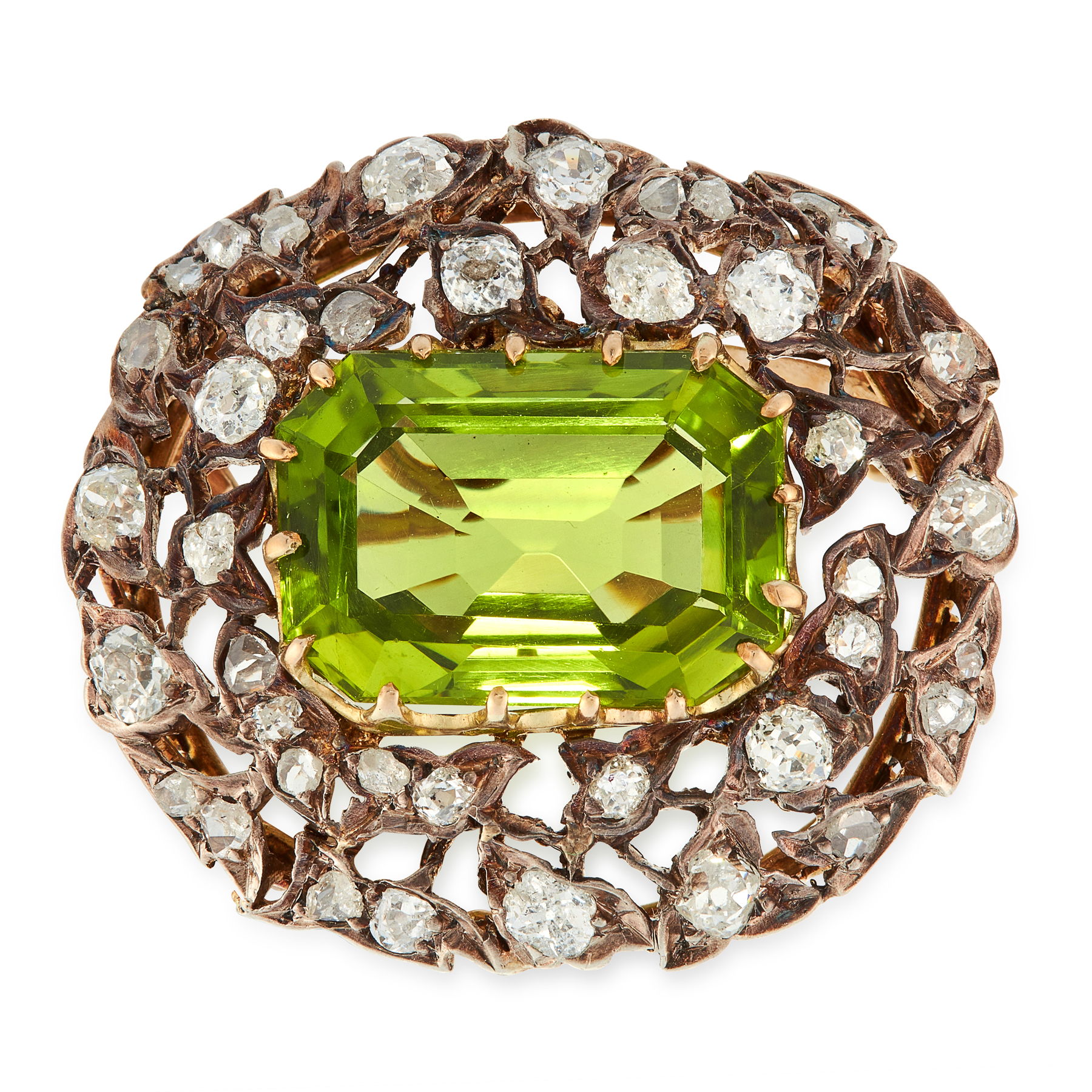 AN ANTIQUE PERIDOT AND DIAMOND BROOCH, 19TH CENTURY in yellow gold and silver, set with an emerald
