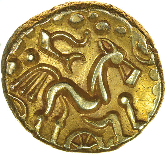 Lot 3 - Selsey Two Faced. No Bars Type. c.55-45 BC. Celtic gold stater. 16-18mm. 5.96g.