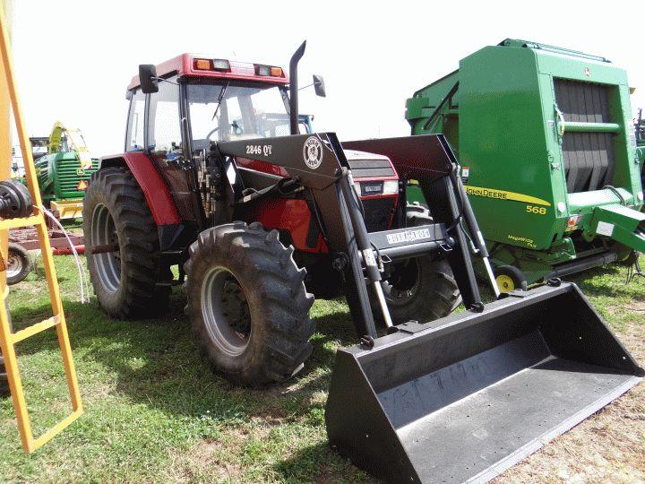 lot 466 case ih 5240 tractor mfwd w bush hog loader. Black Bedroom Furniture Sets. Home Design Ideas