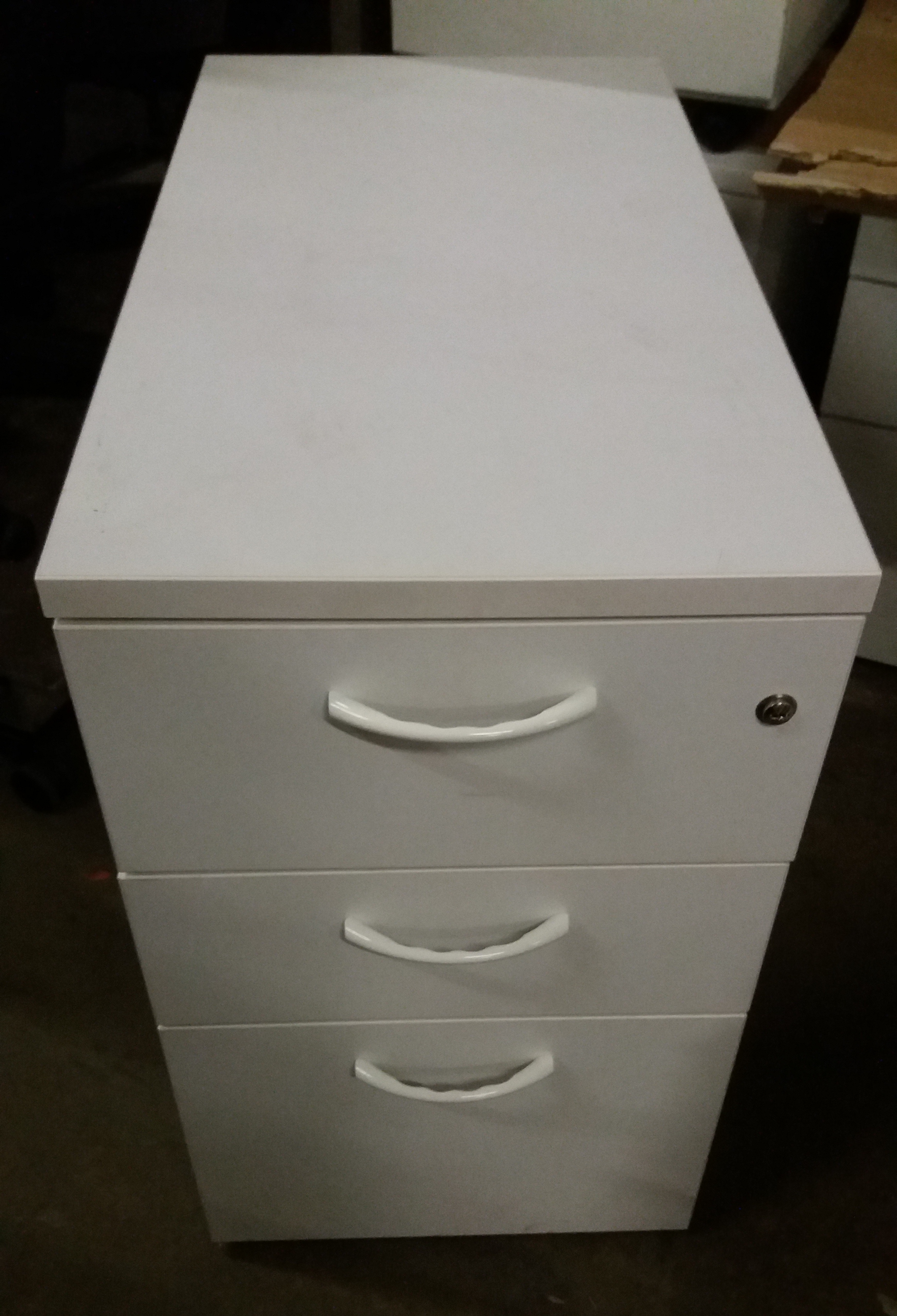 Lot 11 - 6 Person Office Work Station with 6 x 2 drawer under desk filing cabinets (dismantled)