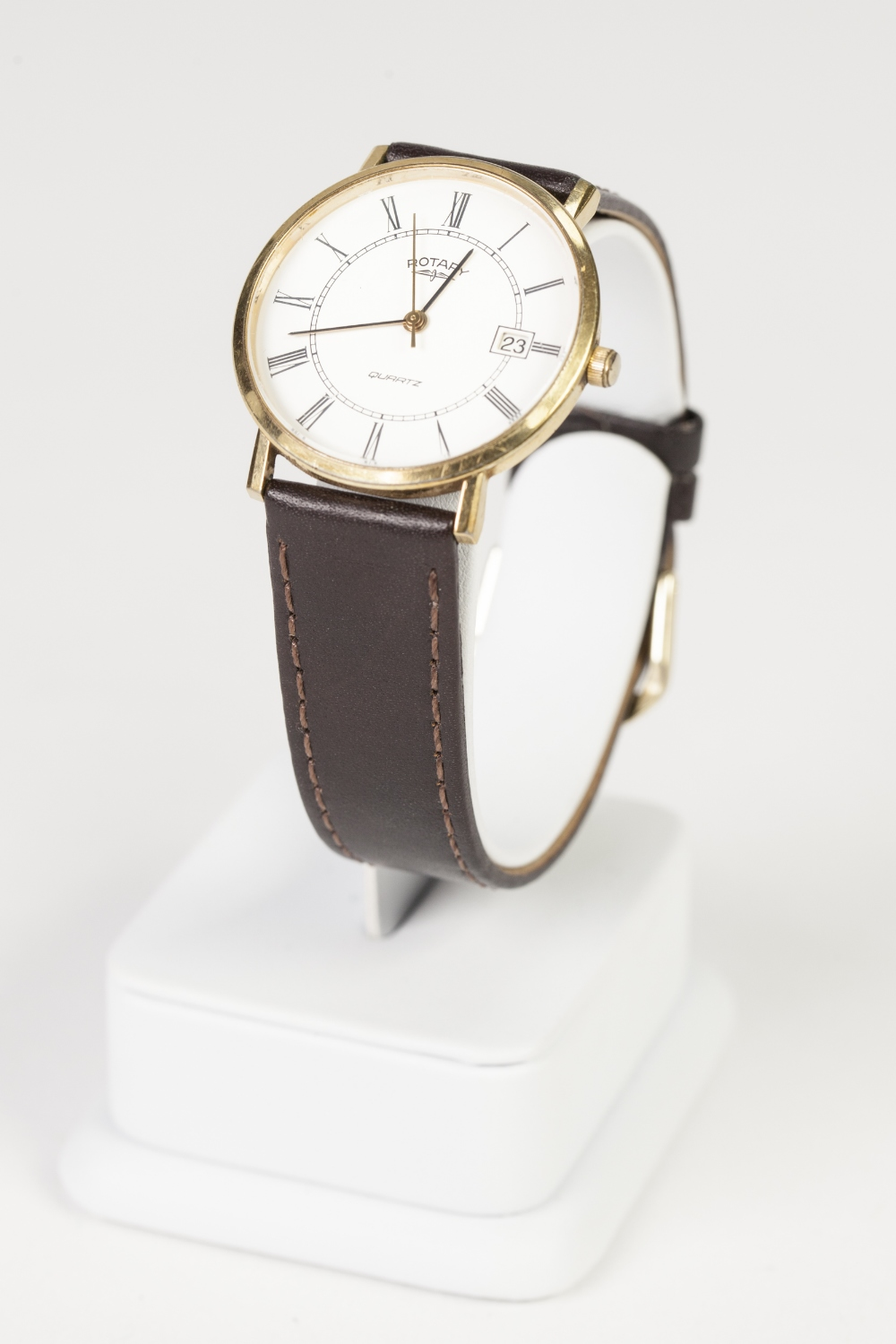 Lot 19 - GENTS ROTARY GOLD PLATED AND STAINLESS STEEL WRIST WATCH, with quartz movement, white Roman circular