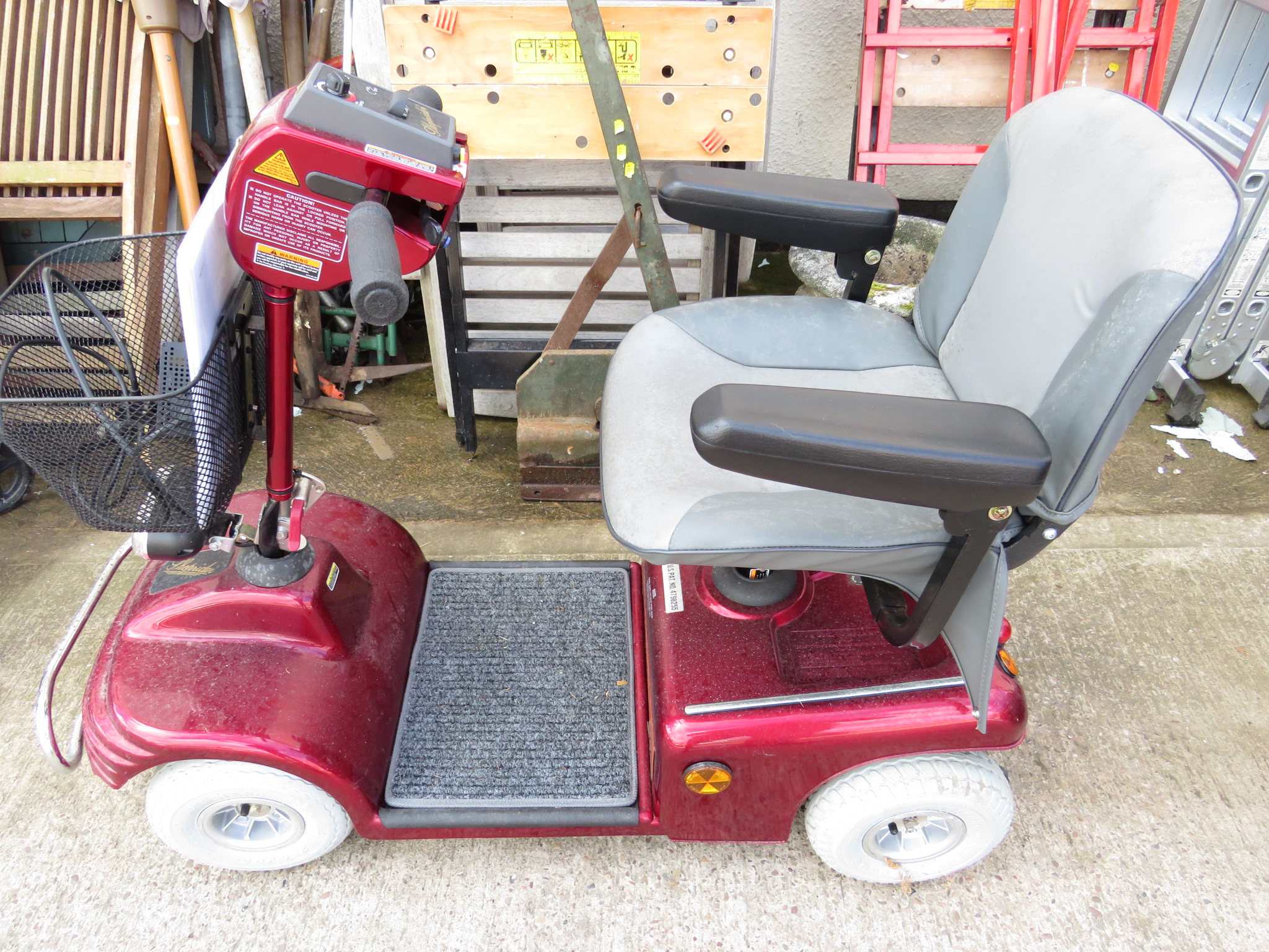 Lot 50 - SOVEREIGN SHOPRIDER DELUXE MOBILITY SCOOTER (CHARGER, MANUAL AND KEY IN OFFICE)