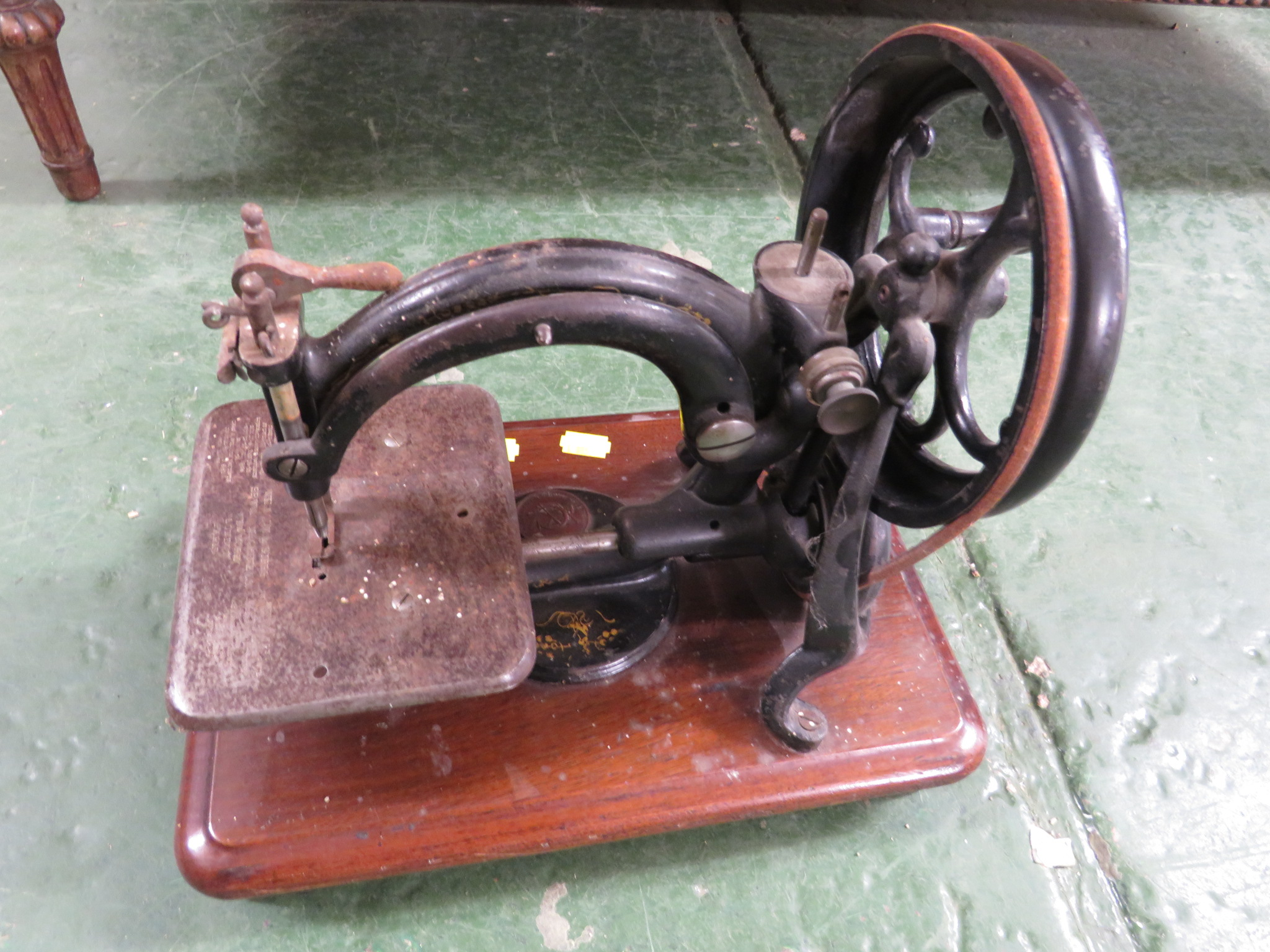 Lot 60 - WILLCOX & GIBBS MANUAL SEWING MACHINE WITH WOODEN CASE