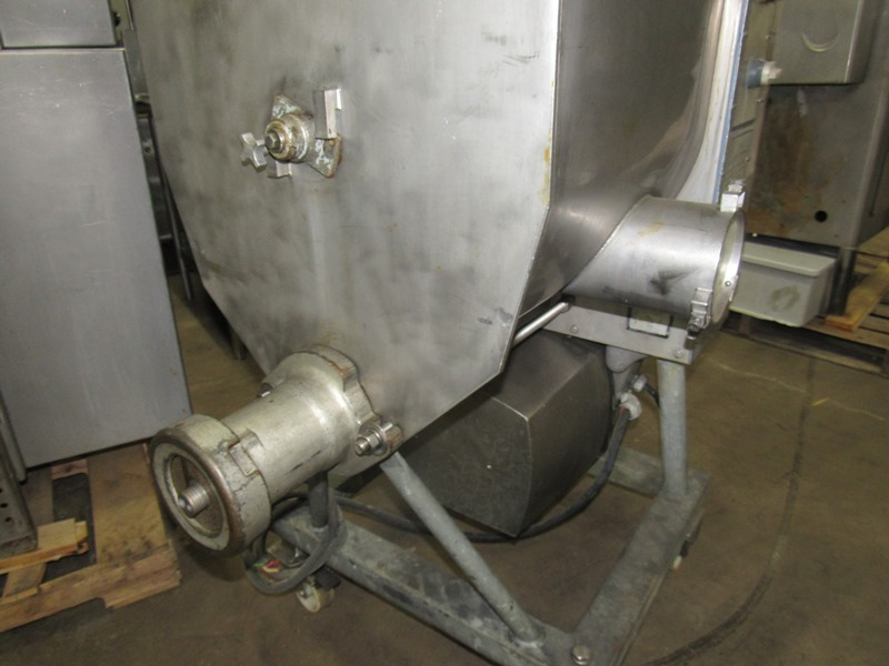 Lot 23 - Hobart Mdl. 4346 Mixer/Grinder, Ser. #11-076-857, 220 volts, on wheels;*** All Funds Must Be