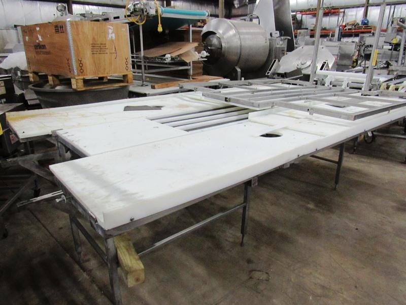 "Lot 39 - Stainless Steel Trim Conveyor, 75"" W X 18' L X 40"" T, 24"" wide center belt, 24"" W poly work stations"