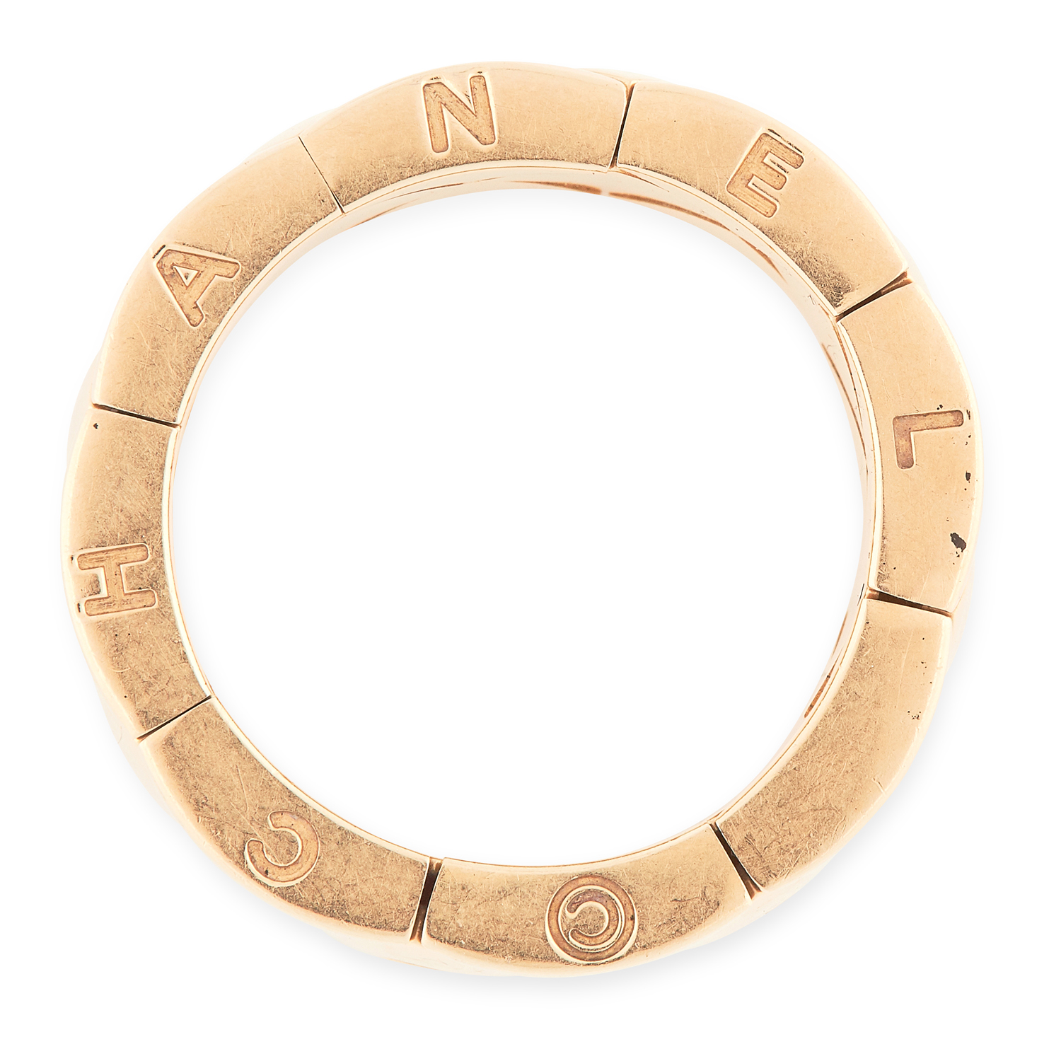 A COCO CRUSH DRESS RING, CHANEL in 18ct yellow gold, the band comprised of articulated quilted - Image 2 of 2