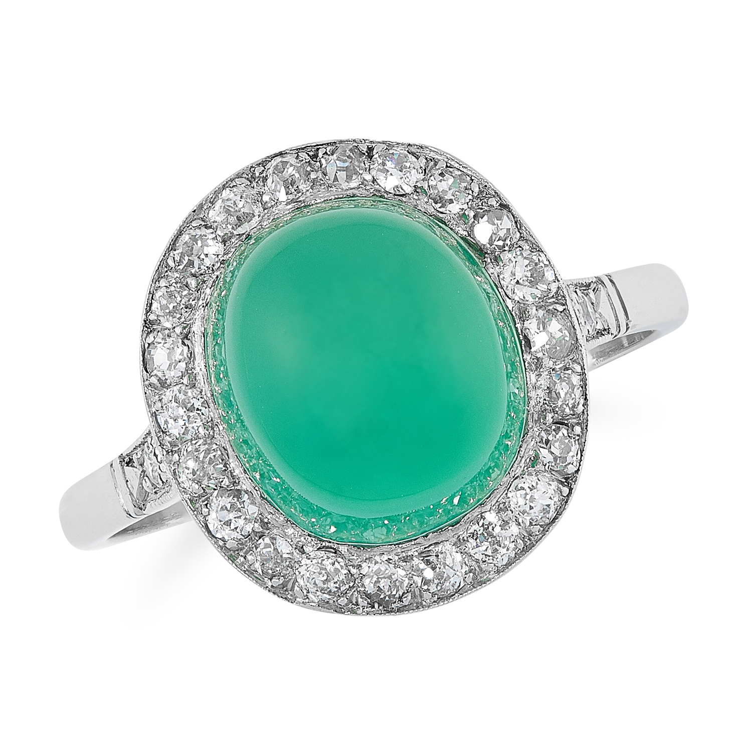 AN ANTIQUE ART DECO CHRYSOPRASE AND DIAMOND RING, EARLY 20TH CENTURY in platinum, set with a central