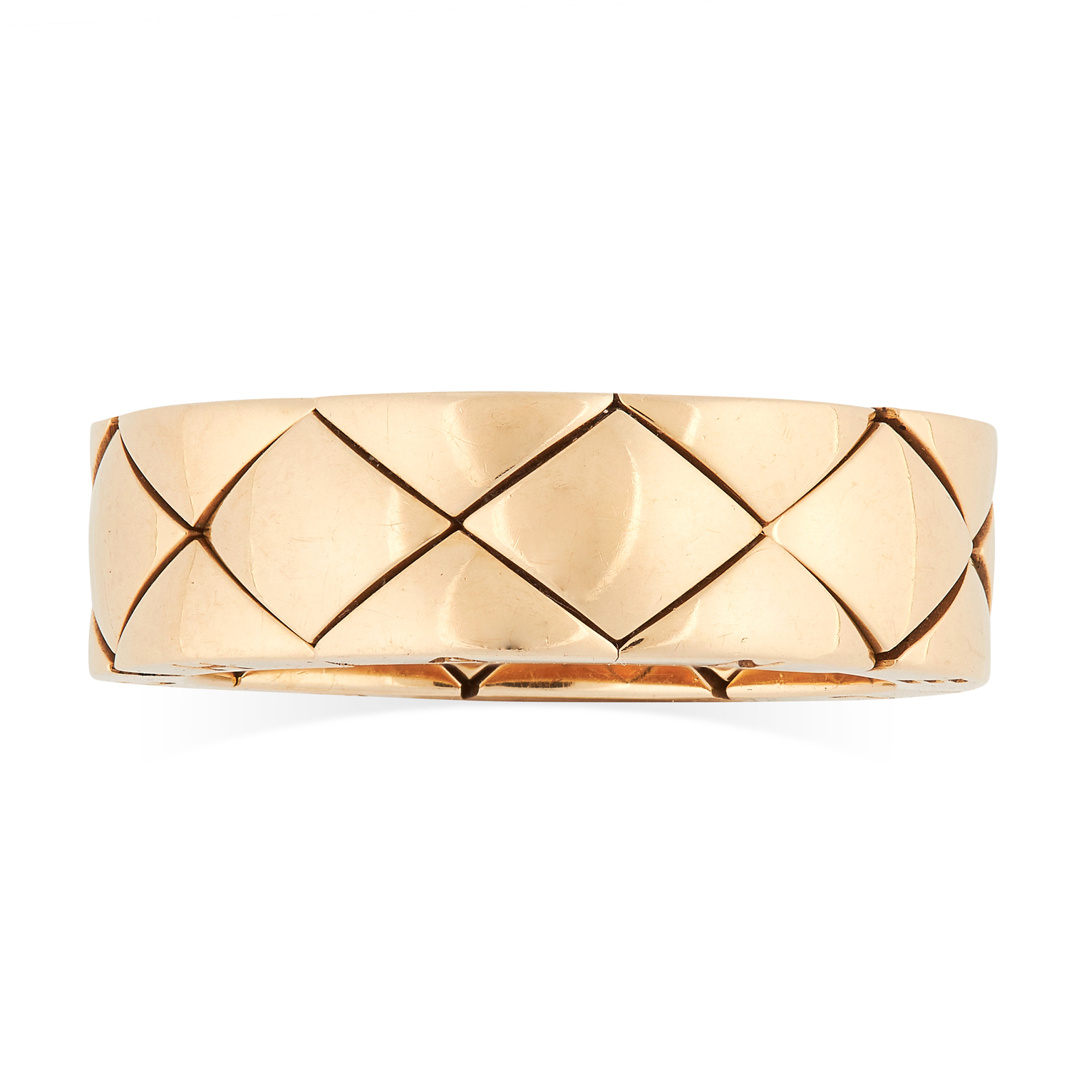 A COCO CRUSH DRESS RING, CHANEL in 18ct yellow gold, the band comprised of articulated quilted