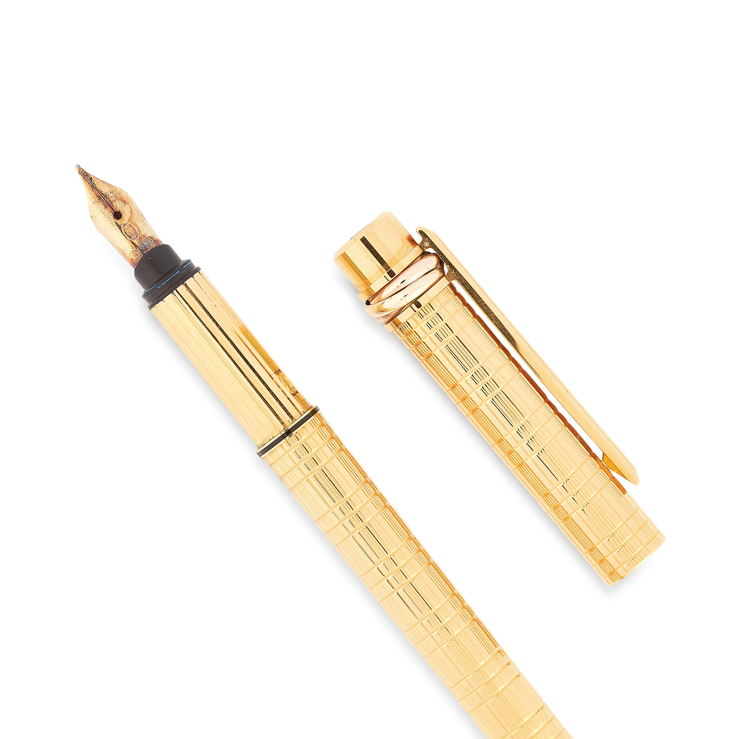 A TRINITY FOUNTAIN PEN, CARTIER in gold plate, in textured gold design, signed Cartier, 13.5cm / 5. - Image 2 of 3