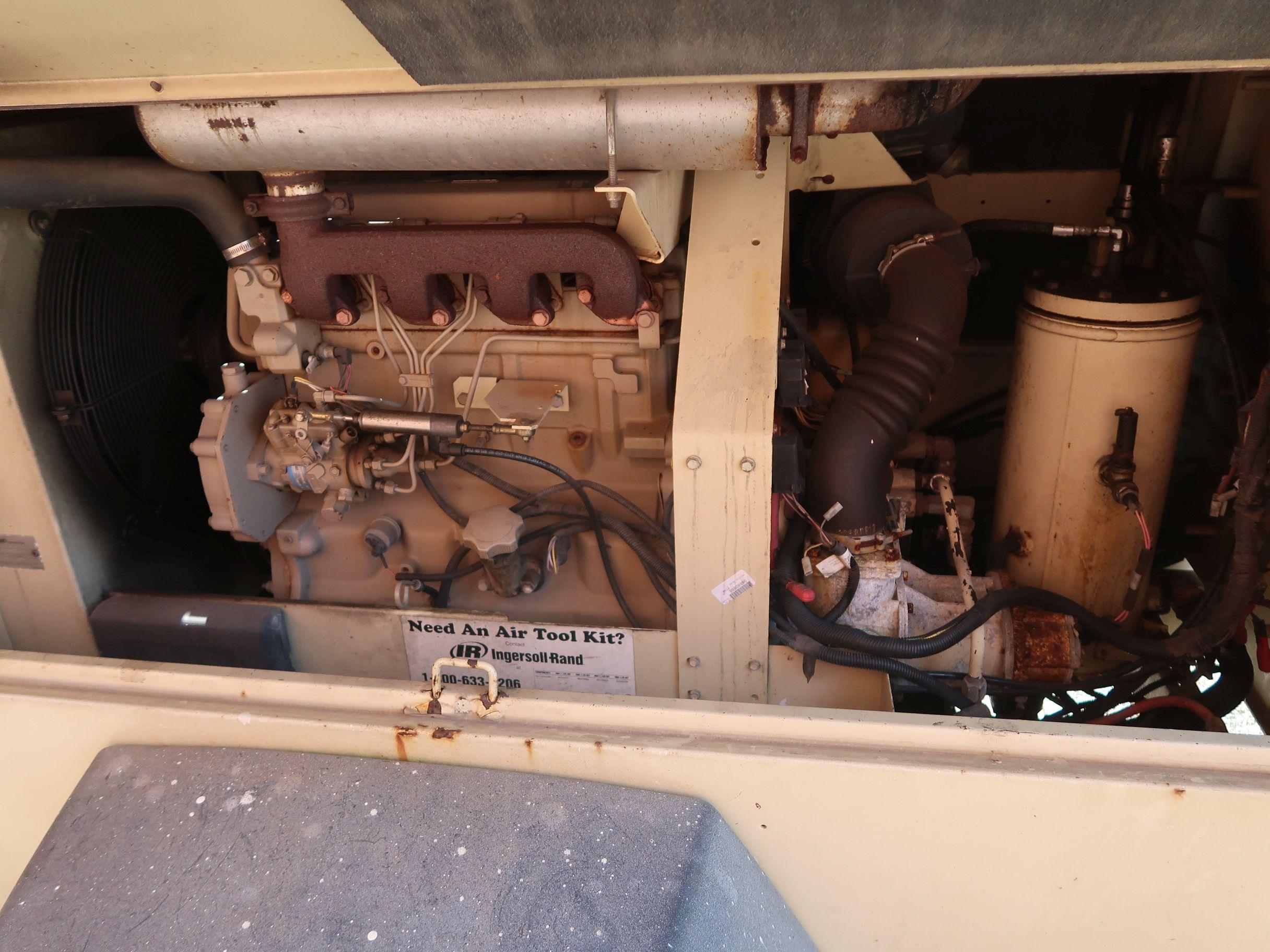 Lot 1005 - INGERSOLL RAND MODEL XP185 DIESEL POWERED TRAILER MOUNTED AIR COMPRESSOR, 4 CYCLINDER, JOHN DEERE