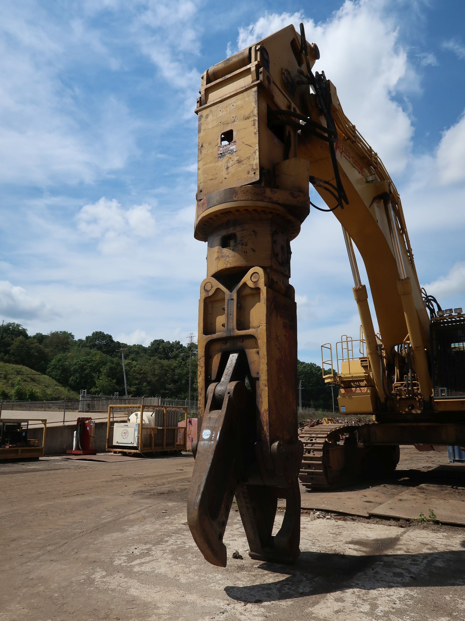 Lot 1022 - ALLIED GATOR MODEL MT160 HEAVY DUTY ROTATING SHEAR ATTACHMENT (DISCONNECT AT BOOM)