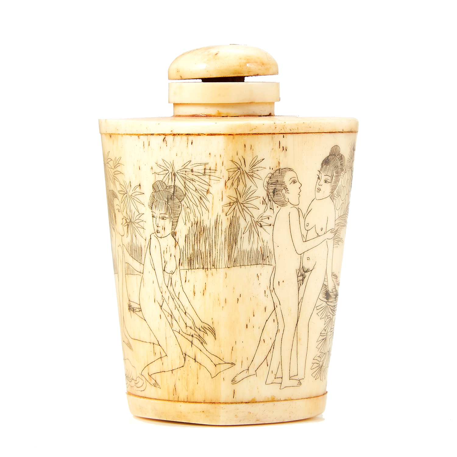 Los 41 - AN ANTIQUE CHINESE EROTIC BONE SNUFF BOTTLE, 19TH CENTURY decorated with erotic scenes, 6.5cm.