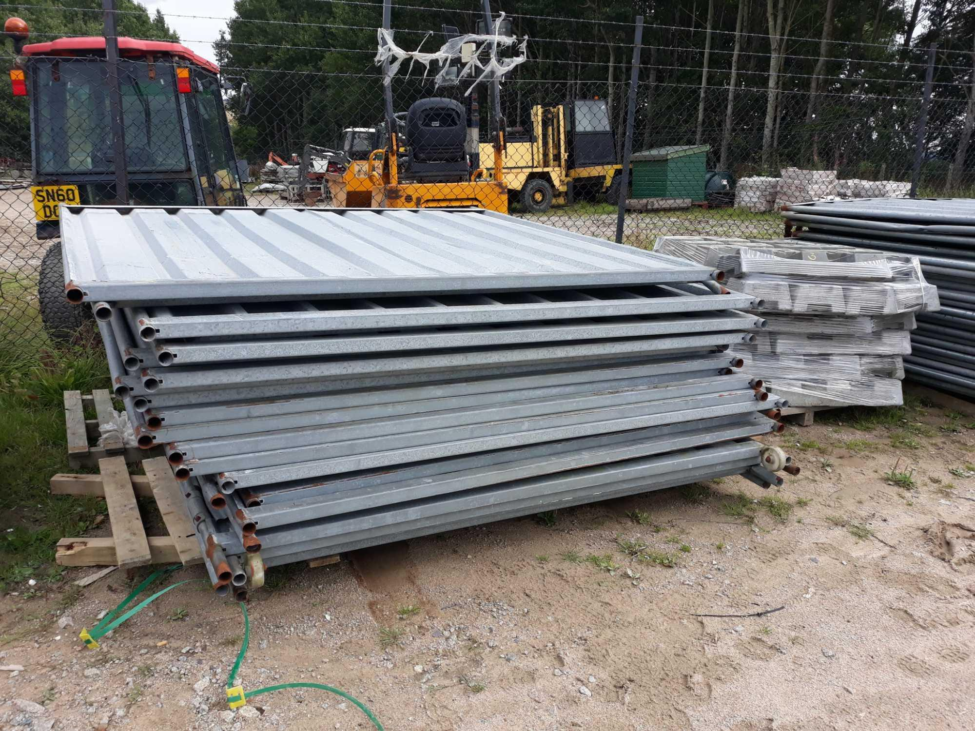 Lot 3 - 23 APPROX STEEL SHEET FENCE PANELS AND FEET