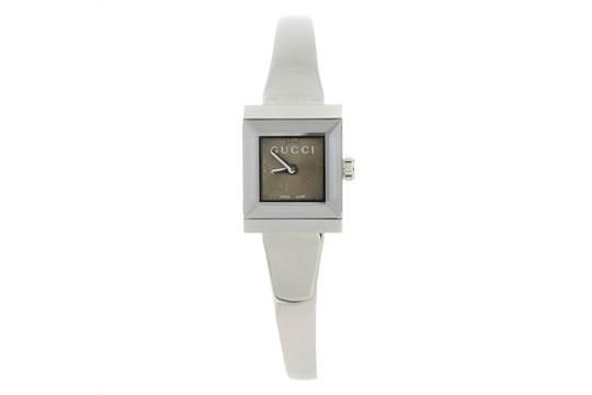 08418c4e6b6 GUCCI - a lady  39 s 128.5 bracelet watch. Stainless steel case ...