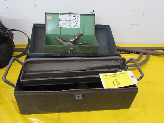 Lot 13 - Grey metal tool box c/w contents