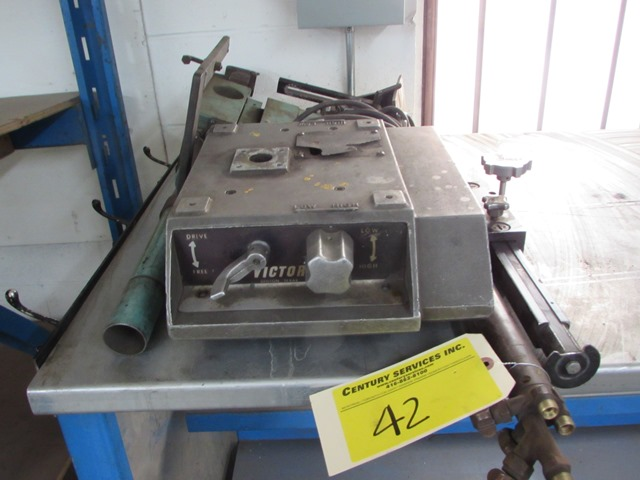 Lot 42 - Victor track cutter
