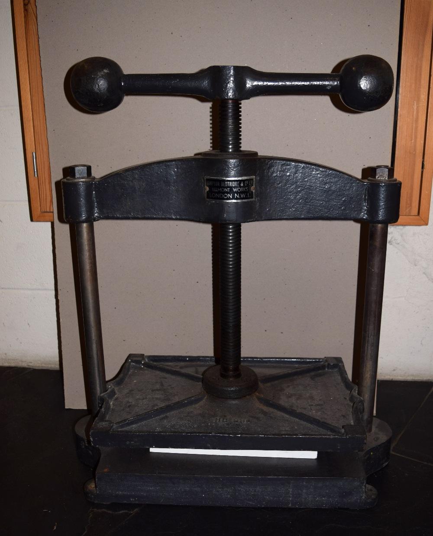 Lot 59 - *Nipping press. A cast iron nipping press, by Hampson Bettridge & Co., Ltd., finished in black,