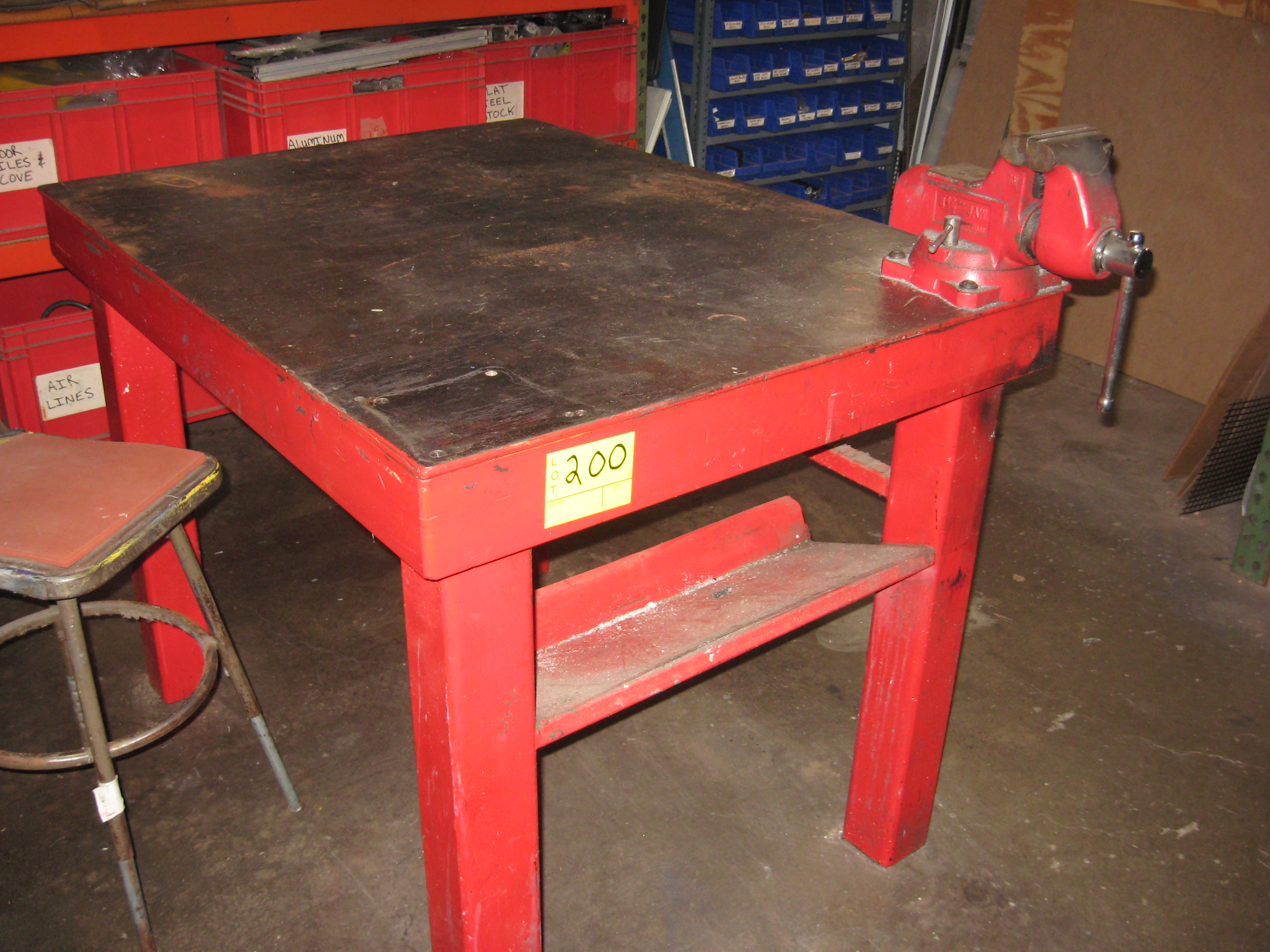 Steel welding table with vise 36 x 48 items are in used for Table induction 71 x 52