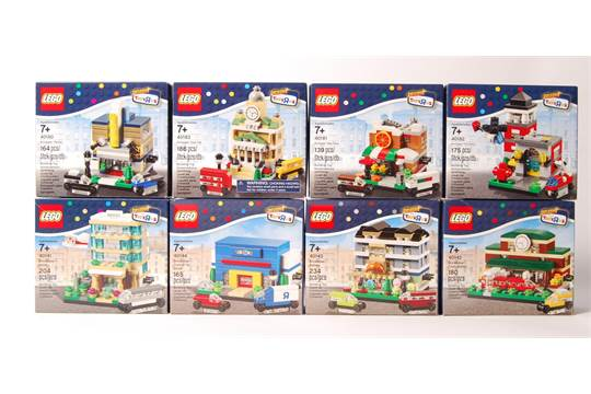 A Collection Of 8 X Lego Toys R Us Exclusive Mini Modulars Boxed Sets To Include 40180 401