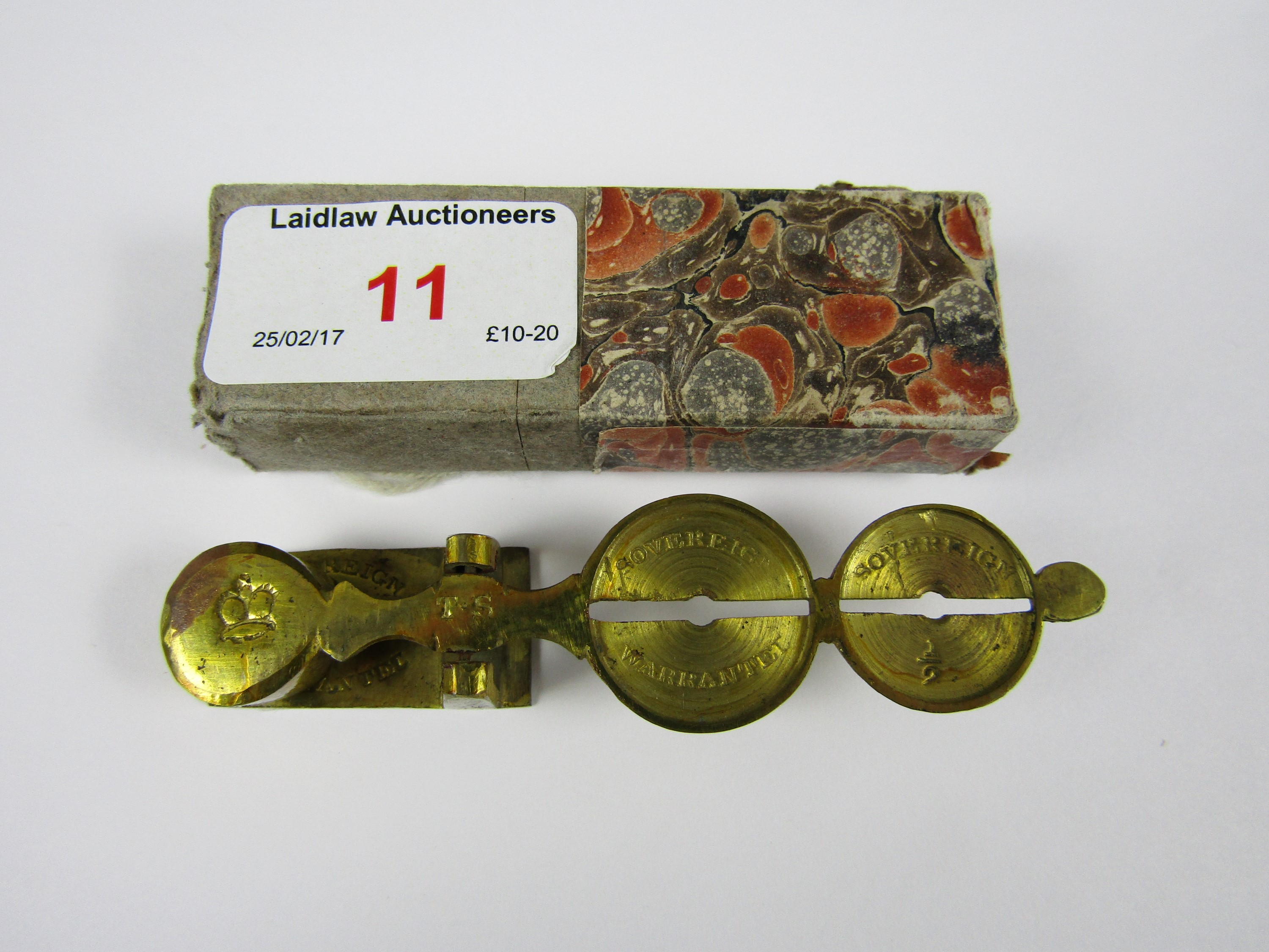 Lot 11 - A set of brass Sovereign scales