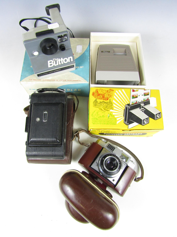 Lot 36 - Various cameras and optical equipment including a Zeiss Ikon Contina