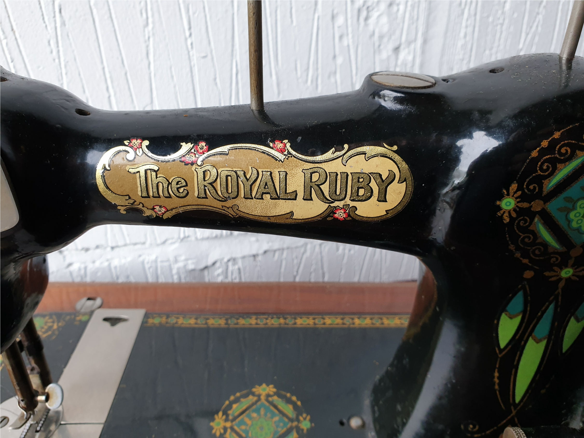 Vintage The Royal Ruby Sewing Machine - Image 3 of 5