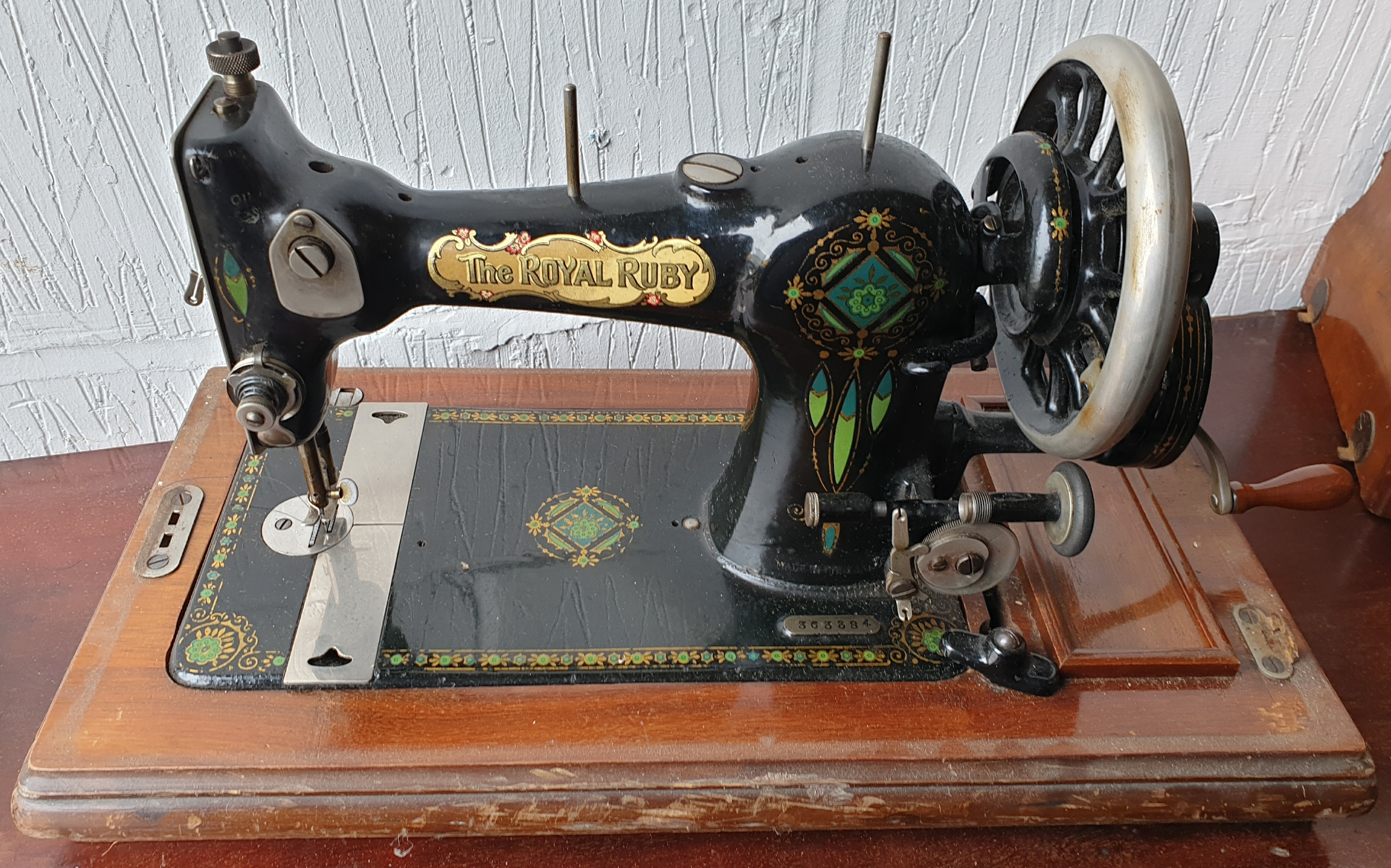 Vintage The Royal Ruby Sewing Machine - Image 2 of 5